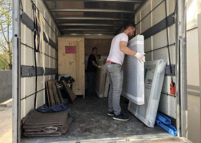 Emballage camion déménagement maritime - site : https://lucas-outre-mer.fr