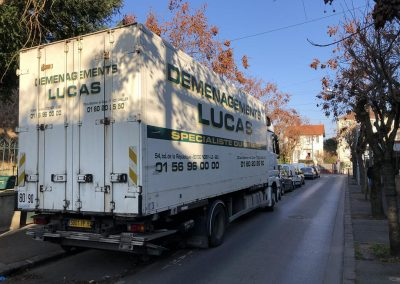 Transport de fret Camion déménagement maritime - site : https://lucas-outre-mer.fr