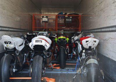 Transport véhicule moto déménagement maritime - site : https://lucas-outre-mer.fr
